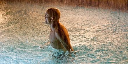 rampart-movie-image-woody-harrelson-pool-01